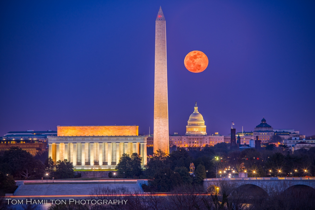 "The full ""worm"" (Spring) moon rises over Washington"
