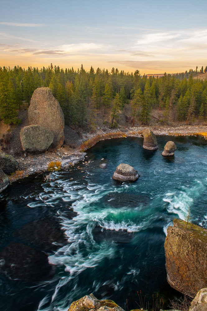 Rapids on the powerful Spokane River beneath Spokane. The Canyon here is part of an extinct volcano.