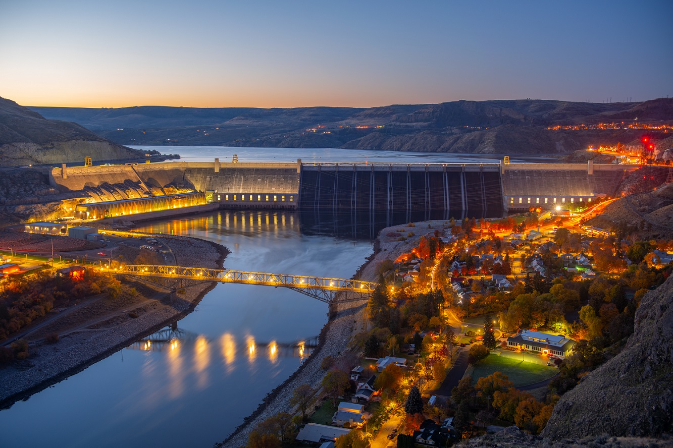 Grand Coulee Dam, the largest power plant in North America.