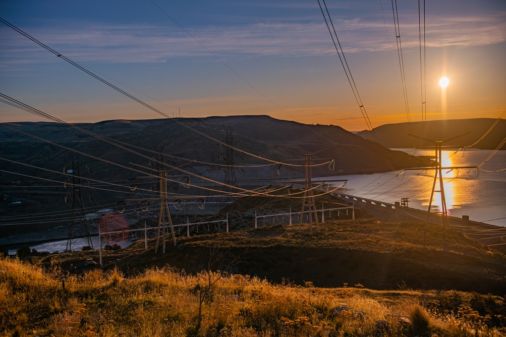 Grand Coulee Dam is capable of Generating almost 7,000 MW, making it the largest power plant in North America.